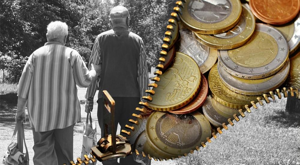 Důchodci peníze