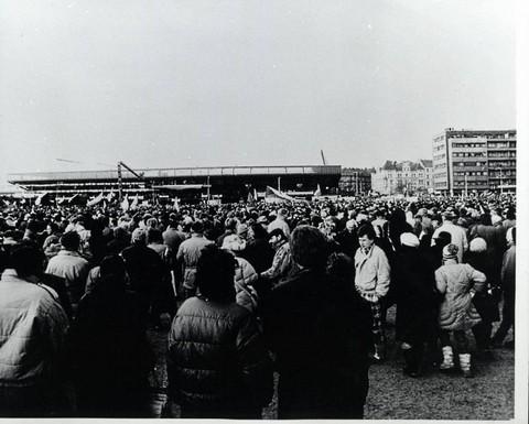 Manifestace na Letenské pláni; Archiv UK