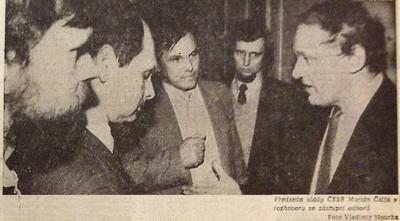 Spolu, nebo proti sobě? Představitelé nezávislých odborů se poprvé setkali s federální vládou 1; Práce 16. února 1990